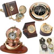 Bussole e orologi in ottone da tavolo, da collo. Bussole da rilevamento, orologi a muro, barometri, igrometri, termometri